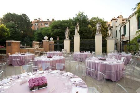 Rezzonico - allestimento cena giardino